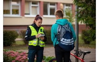 Palangos policija reide tikrino, ar kurorto moksleiviai laikosi taisyklių