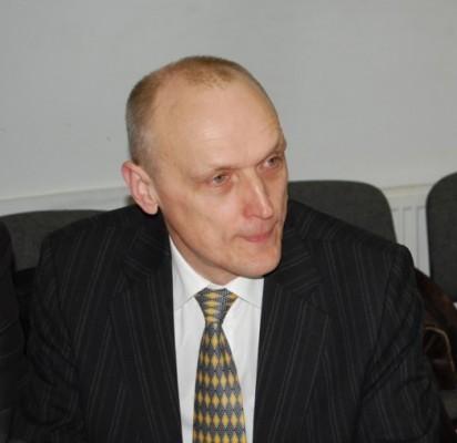 Gediminas Valinevičius, Palangos miesto Tarybos narys, gavęs mandatą joje pagal partijos Tvarka ir teisingumas sąrašą, bet neatmetantis galimybės pakeisti partiją.