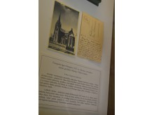 Trečią vietą užėmė fotografo Igno Stropaus 1927 m. išleistas atvirukas, kurio kitoje pusėje grafaitės Marijos Tiškevičiūtės laiškelis.
