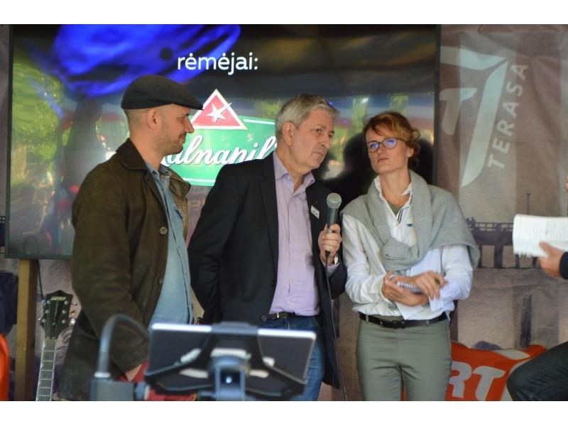 Šventėje dalyvavo Prancūzų instituto Lietuvoje direktorius Jean-Marie Sani, kalbinio ir švietimo bendradarbiavimo asistentė Snieguolė Kavoliūnienė, atlikėjas iš Prancūzijos Romain Lateltin.