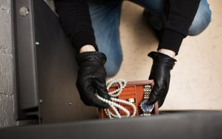 Palangoje ilgapirščiai apvogė namą, nuostolis apie 8 000 euro