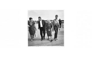 """Algimanto Kunčiaus fotoalbumo """"Prie jūros: Palanga 1965-2015"""" pristatymas Palangos kurorto muziejuje"""