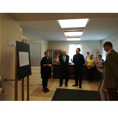 Parodos autorių Ramutį Petniūną (dešinėje) pristatė vyr. muziejininkė Regina Makauskienė ir Lietuvos dailės muziejaus vadovas Romualdas Budrys.