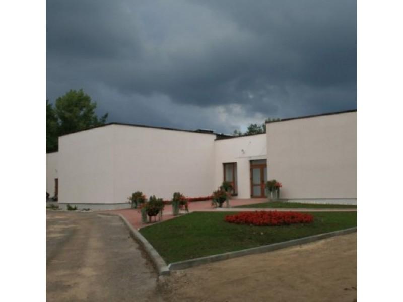 2012 m. prieš Vėlines buvo atidaryti iš pagrindų atnaujinti Palangos laidojimo namai.