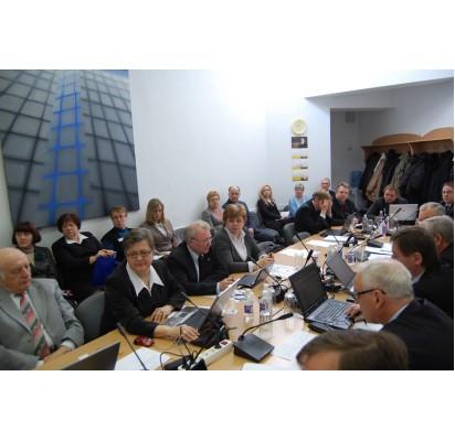 Pabaigtuvių nuotaikomis kleganti Taryba paskutinį kartą susitiks kitą savaitę