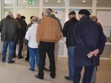Išankstinėmis balsavimo dienomis vis nusidriekdavo laukiančiųjų atiduoti savo balsą žmonių eilė.