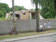 """Kadangi buvusių poilsio namų """" Eglė """"vietoje dar nieko naujo neiškilo, galima projektą pakoreguoti taip, kad poveikis istorinei Palangos daliai būtų kuo mažesnis."""