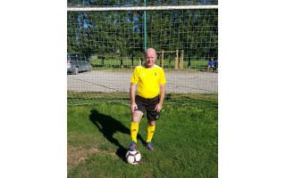 """Vienas vyriausių šalies aktyvių futbolininkų, 70-etis palangiškis Jonas Jonkus: """"Tpfu, tpfu, parako lakstyti dar turiu"""""""