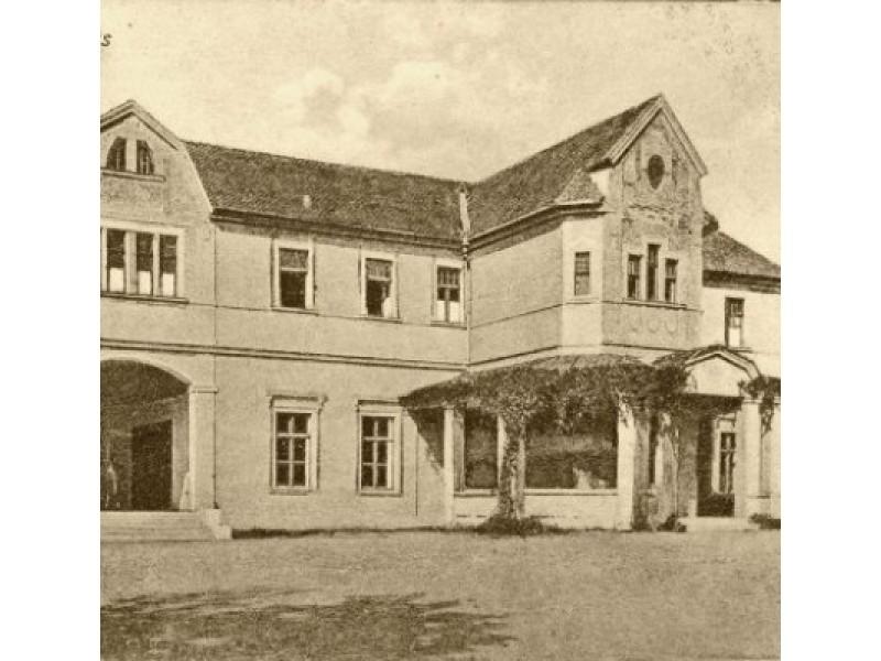 """Kurhauzas. 1926 m. Fotografas Vladimiras Nikonovas. Iš """"Lietuva senose fotografijose""""."""