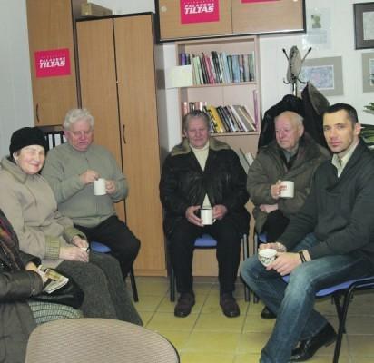 Prie kavos puodelio mūsų skaitytojai ne tik dalijosi savo pastebėjimais, bet ir karštai diskutavo jiems aktualiais klausimais.