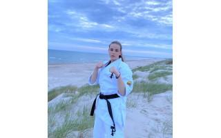 """Palangos """"Shodan"""" mokyklos karatistė Julija Balčiūtė tobulinosi tarptautinėje stovykloje"""