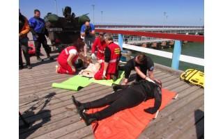 Palangos gelbėtojai demonstravo meistriškumą bei mokė gelbėti skęstančiuosius