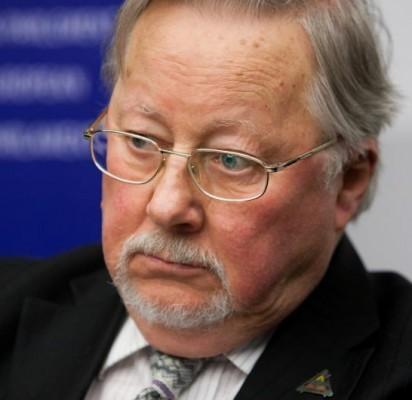 """Vytautas Landsbergis: """"Palanga kapines sovietiniams kariams turi iškelti"""""""