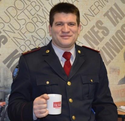 Priešgaisrinės gelbėjimo valdybos Palangos priešgaisrinio gelbėjimo tarnybos (PGVPPGT) viršininkas Vidmantas Jarulis sako, pasitikėjimas ugniagesius džiugina ir įpareigoja.
