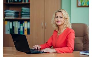 """Palangos poliklinikos direktorė Jūratė Mikutienė: """"Iš """"AstraZeneca"""" paskiepytų pedagogų sulaukėme skambučių dėl pakilusios temperatūros"""""""