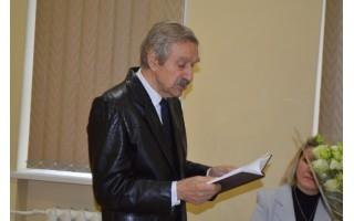 Jonas Brazdžionis pilnai salei sklaidė  poezijos dienoraščio lapus