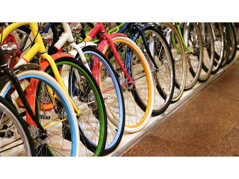 Palanga apmokestino automobilių stovėjimą šešiose naujose vietose ir ragina važinėti dviračiais