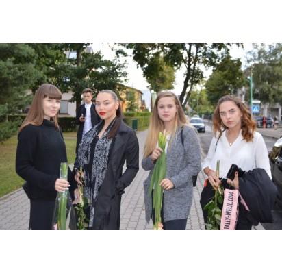 Donata, Austėja, Karolina ir Lijana teigė, jog gaila taip staiga prabėgusios vasaros, bet gal šienauji mokslo metai padovanos išskirtinių įspūdžių.