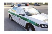 Palangos policija apstulbusi: pareigūnų automobilį daužęs vyras pateikė netikėtą paaiškinimą