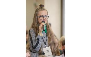 """Palangiškė Mūza Svetickaitė – literatūrinių imitacijų konkurso """"Pasimatuok klasiko akinius!"""" laureatė"""