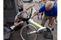 Šią savaitę įsigytos ekologiškos dviratės transporto priemonės buvo miesto policijos komisariate sužymėtos – ant jų buvo uždėti ženklai, informuojantys, kad jie yra policijos dviračių registre.