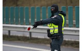 Vakar, gruodžio 30 d., Palangos postuose pareigūnai patikrino 1325 automobilius, neįleisti 72