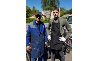 """Netipiškiausias Palangoje jūsų dviračio remontininkas Stasys - jaunas, gražus, protingas (VISĄ STRAIPSNĮ SKAITYKITE PENKTADIENĮ """"PALANGOS TILTE"""")"""