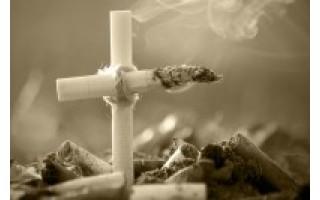 """Akcija """"Gėlė - vietoj cigaretės"""""""