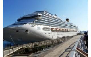 Savaitė plaukiojančiame kurorte: laive glumino kinai, krante – įspūdingas istorinis paveldas