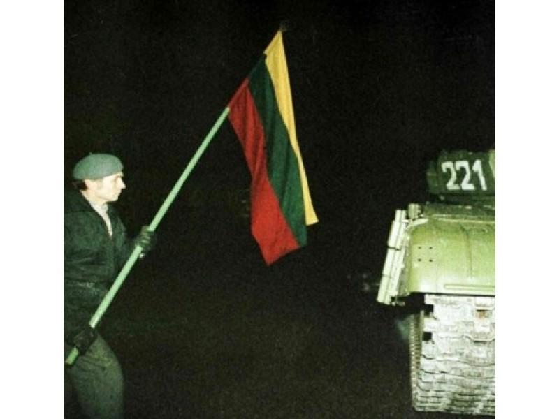Aistė gyvybės už Lietuvą neatiduotų, Laura pasikeistų vietomis su Sausio 13-osios žuvusiąja
