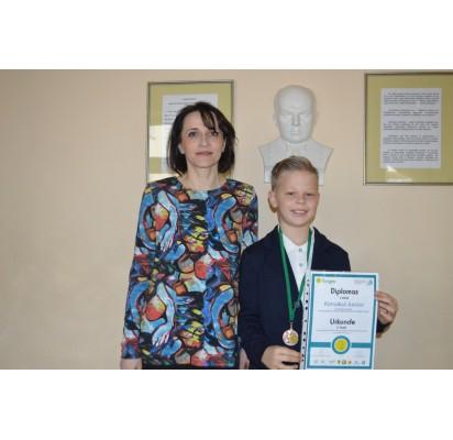 Juozas Korsakas – vienas iš geriausių Lietuvos jaunųjų matematikų, jo išskirtinumą pastebi ir matematikos mokytoja Ingrida Šleinienė.