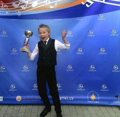 """Palangiškis Kristupas – geriausias festivalio """"EuroJurmala 2017"""" solistas"""