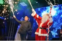 Palangos kalėdinė eglė sužibo tautinėmis spalvomis