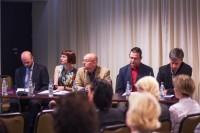 Žiniasklaidos ir etikos sargai kovoja dėl kablelio: nutylėti neetiška informuoti