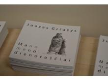 """Išleistas kūrybos darbų katalogas """"Mano meno dienoraščiai"""" tapo gražia dovana kiekvienam."""
