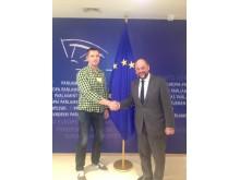 """Europos Parlamento pirmininkas Martinas Šulcas (dešinėje) davė išskirtinį interviu """"Palangos tilto"""" redaktoriui Linui Jegelevičiui."""