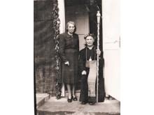 Kunigystės 50-metį Šilalės parapijoje, paskutinėje kunigavimo vietoje, 1957-aisiais šventęs J.Galdikas su seserimi M.Galdikaite-Kauniene.