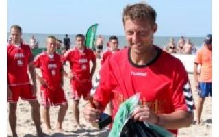 Paplūdimio futbolo čempionato finiše – šeimininkų triumfas ir... merginos
