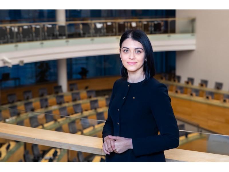 """30-etį švenčianti Svetlana Grigorian: """"Aktyvioje politikoje dalyvauju pakankamai ilgai ir iš arti mačiau, kad politika pasižymi laikinumu. Kas šiandien """"ant bangos"""", ryt – gali būti užmarštyje"""""""