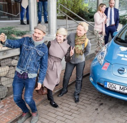 Elektromobilių maratone Vilnius-Palanga – damų ekipažas