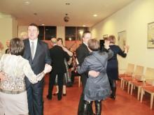 Į šokio sūkurį įsitraukė ir vakaro dalyviai...