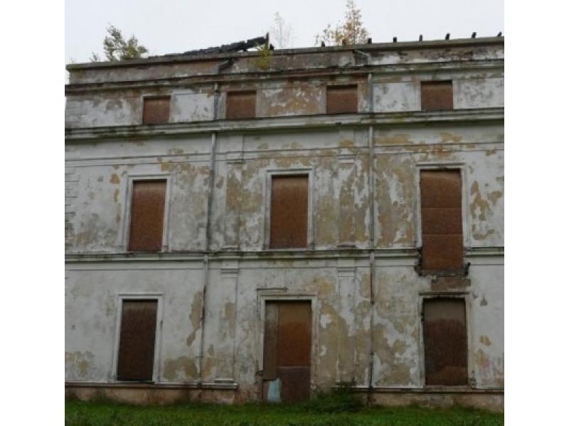 """Vila """"Jūrapilis"""" (""""Komoda"""") tebelaukia restauratorių."""