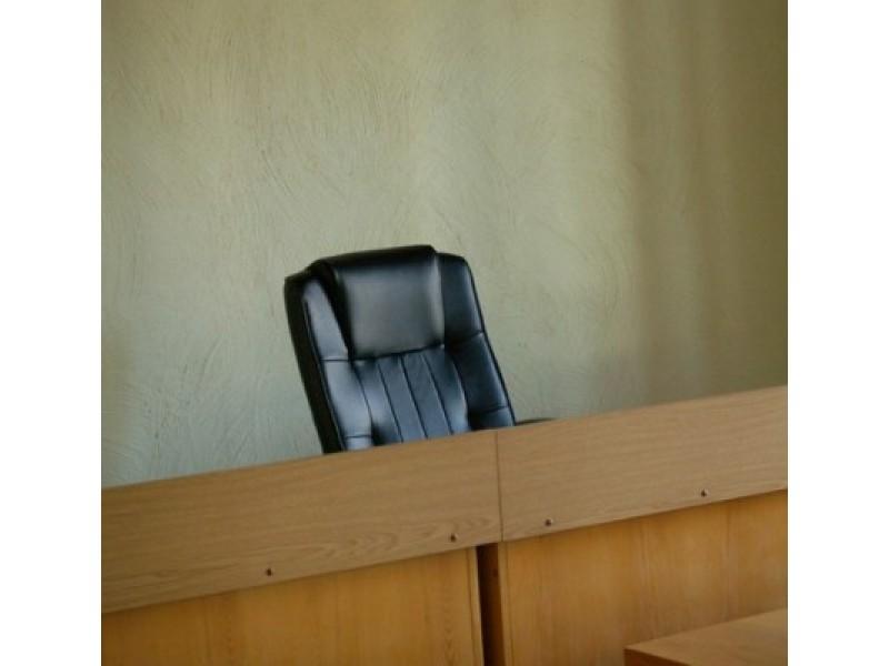 Ištuštėjusiame prokuratūros pastate vietoj tinklapyje vyriausiojo prokuroro, trijų eilinių prokurorų, vyriausiojo prokuroro padėjėjos bei raštinės vedėjos, dabar dirba du prokurorai ir viena padėjėja.