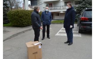 Rotariečių dovana palangiškiams - šimtai apsaugos priemonių