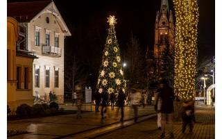 Palangoje ir Šventojoje nušvito Kalėdų eglės (FOTO GALERIJA)