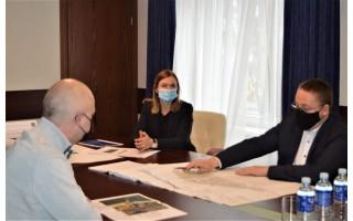 Aplinkos ministrui Simonui Gentvilui Savivaldybėje pristatyti Šventosios jūrų uosto atstatymo planai bei diskutuota  apie galimybes ieškoti finansavimo  molų statybai