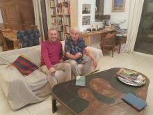 Leonas Šidlauskas ir Perkūnas Liutkus prie Mončio sukurto stalo