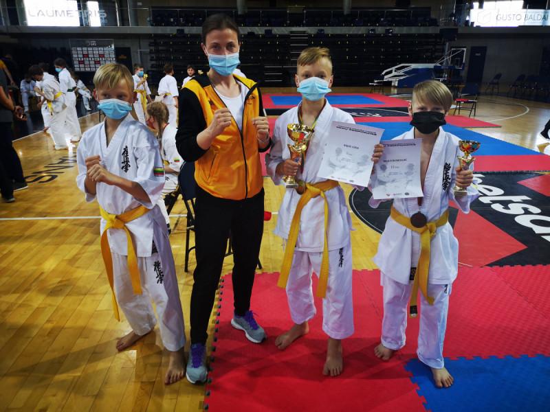 Palangiškis Kajus Loda tapo Lietuvos čempionu. Bronzos medalius iškovojo trenerės Kristinos Basovos auklėtiniai Nojus Bundulas, Nojus Trukšanovas ir Lukas Akmenskas