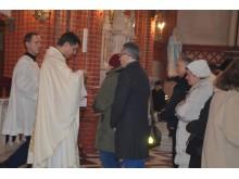 Šventinėse šv. Mišiose dalyvavo daug parapijiečių.