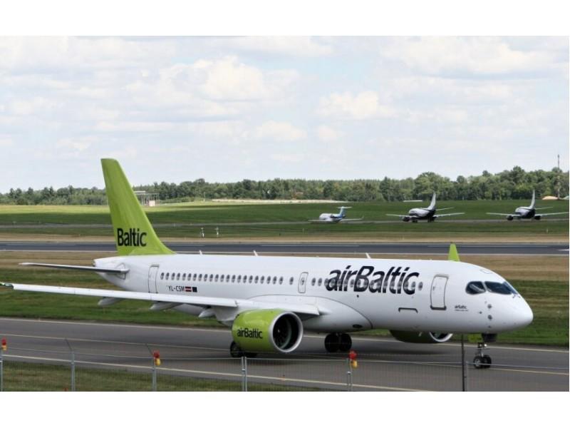 """""""airBaltic"""" atšaukė visus skrydžius iš Rygos į Vilnių ir Palangą"""